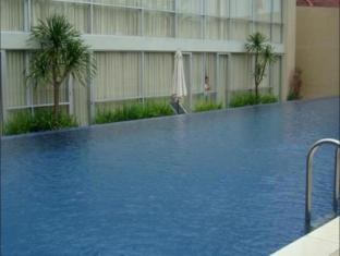 /royal-hotel-n-lounge/hotel/jember-id.html?asq=jGXBHFvRg5Z51Emf%2fbXG4w%3d%3d