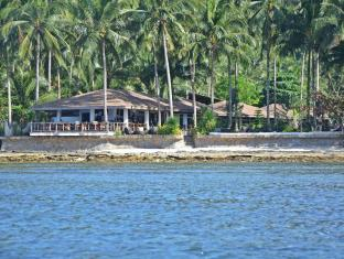 Cadlao Resort and Restaurant Palawan - View of the Resort from the Bay