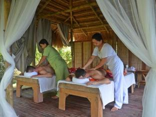 Cadlao Resort and Restaurant Palawan - Massage Area