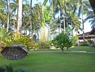 Cadlao Resort and Restaurant Palawan - Hammocks