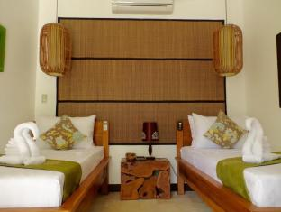 Cadlao Resort and Restaurant Palawan - Family Room Twin Beds