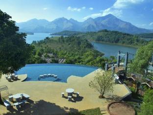 Sharoy Resort