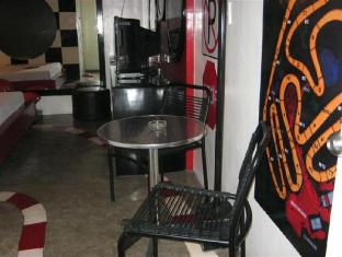 Hotel Sogo Quirino Motor Drive Inn مانيلا - غرفة الضيوف