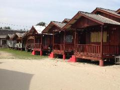 Malaysia Hotels | Riverside 3rd Point Chalet