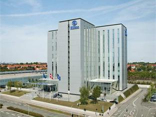 /nl-nl/hilton-copenhagen-airport-hotel/hotel/copenhagen-dk.html?asq=yiT5H8wmqtSuv3kpqodbCVThnp5yKYbUSolEpOFahd%2bMZcEcW9GDlnnUSZ%2f9tcbj