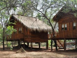The Other Corner Hotel Sigiriya - Exterior View of Tree Cottage