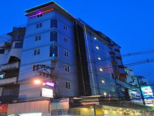 Sky Inn 2 Bangkok - Exterior