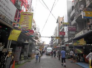 Sky Inn 2 Bangkok - Surroundings