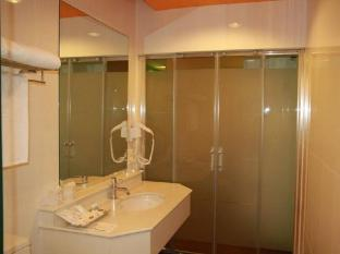 Lido Millennium Hotel Silom Bangkok - Bathroom