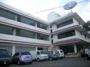 /plaza-hotel-salatiga/hotel/salatiga-id.html?asq=jGXBHFvRg5Z51Emf%2fbXG4w%3d%3d