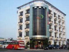 Dong Nam Hotel | Cheap Hotels in Vietnam