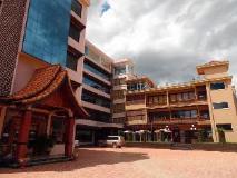 Anoulack Khen Lao Hotel: exterior