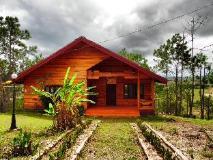 Phouchan Resort: exterior