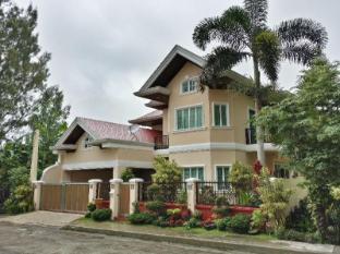 Tagaytay Royalle Hotel