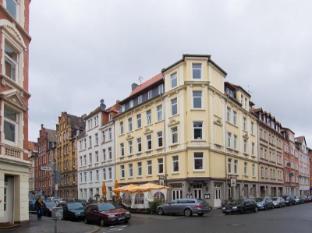/conzeptplus-bed-and-breakfast/hotel/hannover-de.html?asq=jGXBHFvRg5Z51Emf%2fbXG4w%3d%3d