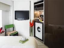 V Causeway Bay: guest room