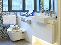 V Causeway Bay: bathroom