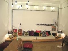 Mojzo Inn - Hostel for Backpackers | Nha Trang Budget Hotels