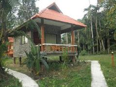 Baan Rimnam Resort   Khao Sok (Suratthani) Hotel Discounts Thailand