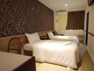 Fata Garden Hotel by Place2Stay Kuching - Guest Room