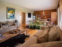 Azure on Queensberry: interior