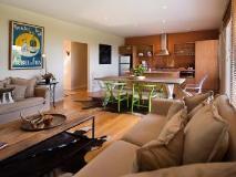 Azure on Queensberry: guest room