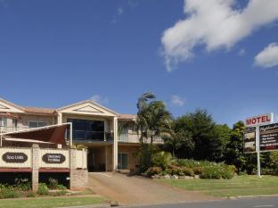 Highlander Motor Inn and Apartments Toowoomba - Front Driveway