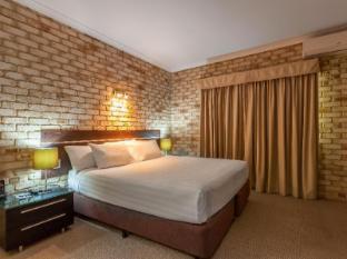 Highlander Motor Inn and Apartments Toowoomba - King Bedroom Apartment