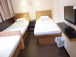 Jinhai Hotel Hong Kong - Triple Room