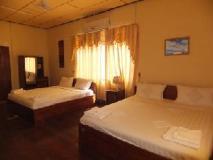 Phakchai Hotel: guest room