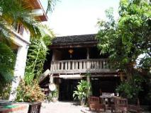 Lao Lu Lodge: exterior