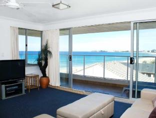 Pacific Surf Absolute Beachfront Apartments Gold Coast - Lounge