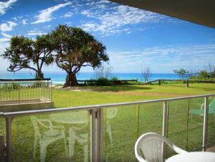 Pacific Surf Absolute Beachfront Apartments Gold Coast - View