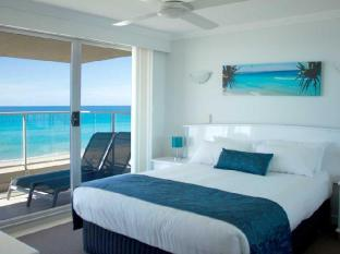 Pacific Surf Absolute Beachfront Apartments Gold Coast - Guest Room