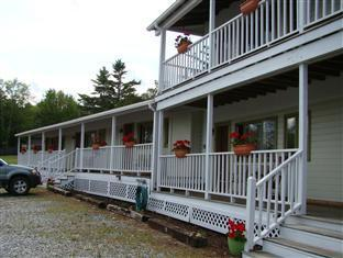 Bay Leaf Cottages & Bistro Lincolnville (ME) - Hotellet från utsidan