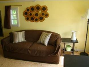 Bay Leaf Cottages & Bistro Lincolnville (ME) - Interno dell'Hotel