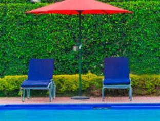 Grand Hotel - Kathmandu Kathmandu - Swimming Pool