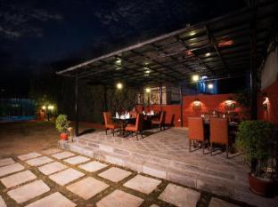 Grand Hotel - Kathmandu Kathmandu - Porch