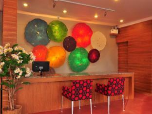 Phu NaNa Boutique Hotel פוקט - קבלה