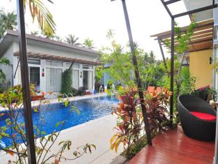Phu NaNa Boutique Hotel פוקט - מרפסת