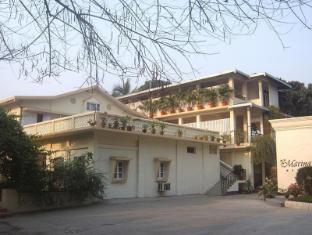 /marina-s-motel/hotel/siliguri-in.html?asq=jGXBHFvRg5Z51Emf%2fbXG4w%3d%3d