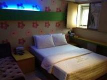 Mai Hotel: guest room