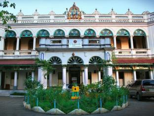 /chettinadu-mansion-an-authentic-heritage-palace/hotel/karaikudi-in.html?asq=jGXBHFvRg5Z51Emf%2fbXG4w%3d%3d