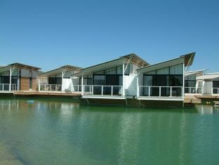 /caves-beachside-hotel/hotel/lake-macquarie-au.html?asq=jGXBHFvRg5Z51Emf%2fbXG4w%3d%3d
