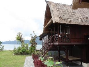 Batur Lakeside Hut