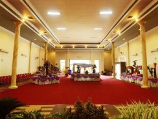 BJ Perdana Hotel Pasuruan - Grand Pandawa Ballroom