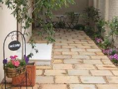 Calico Guest House | South Africa Budget Hotels