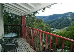 Tyrola 1 Private Holiday Apartment | Australia Budget Hotels