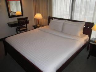 Service Suite at Times Square Kuala Lumpur - Guest Room