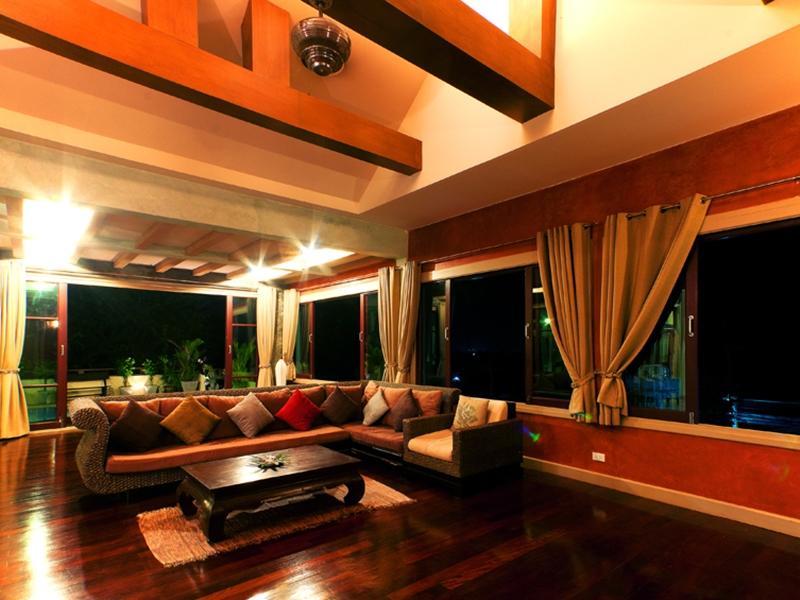 The Villa Hacienda13